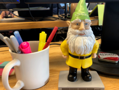 gnome-desk.png