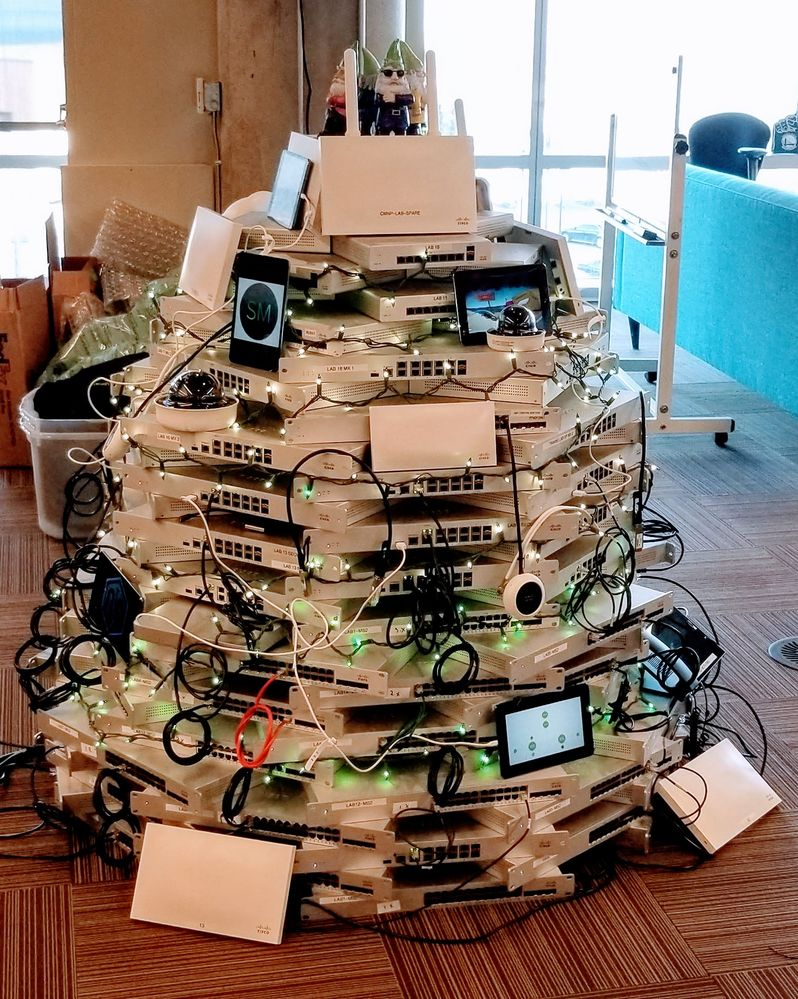 SwtichmasTree_Final.jpg